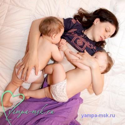 кормление близнецов,Грудное вскармливание близнецов, грудное вскармливание, как кормить грудью близнецов