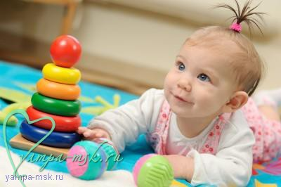 первая погремушка, игры с новорожденным, игрушки для новорожденных